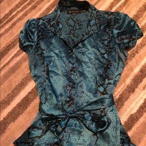 Blue snakeskin print short sleeve blouse